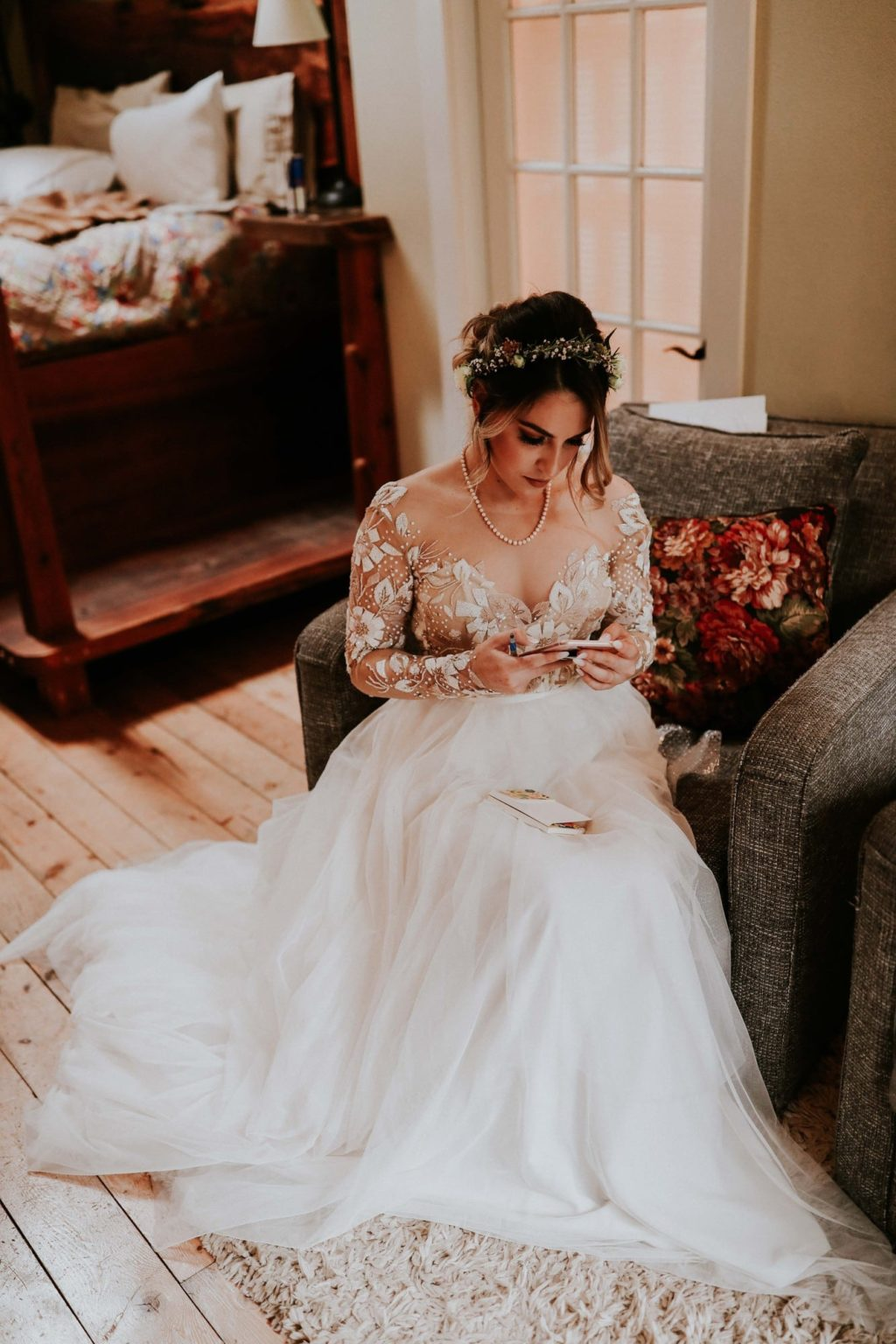 bride reading her vows before her treehouse point wedding