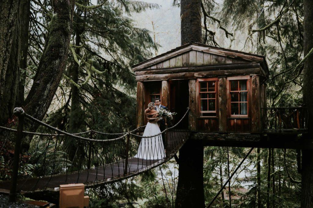 First look on a rainy Washington wedding day