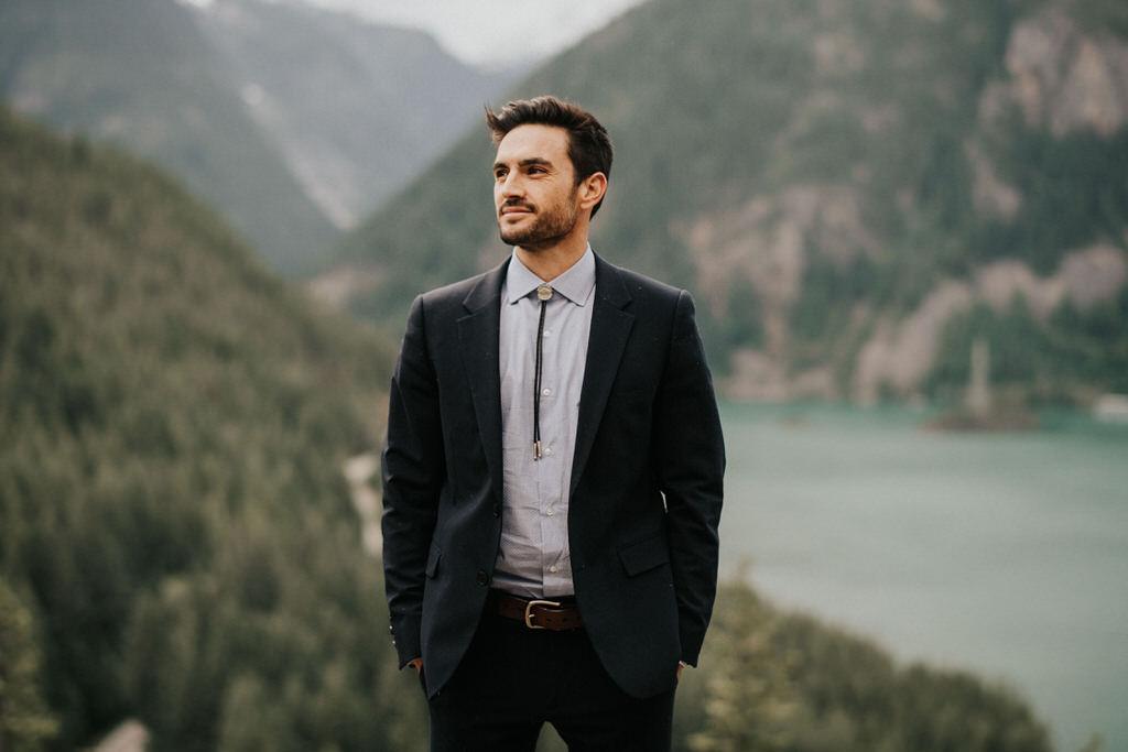 portrait of groom at diablo lake lookout