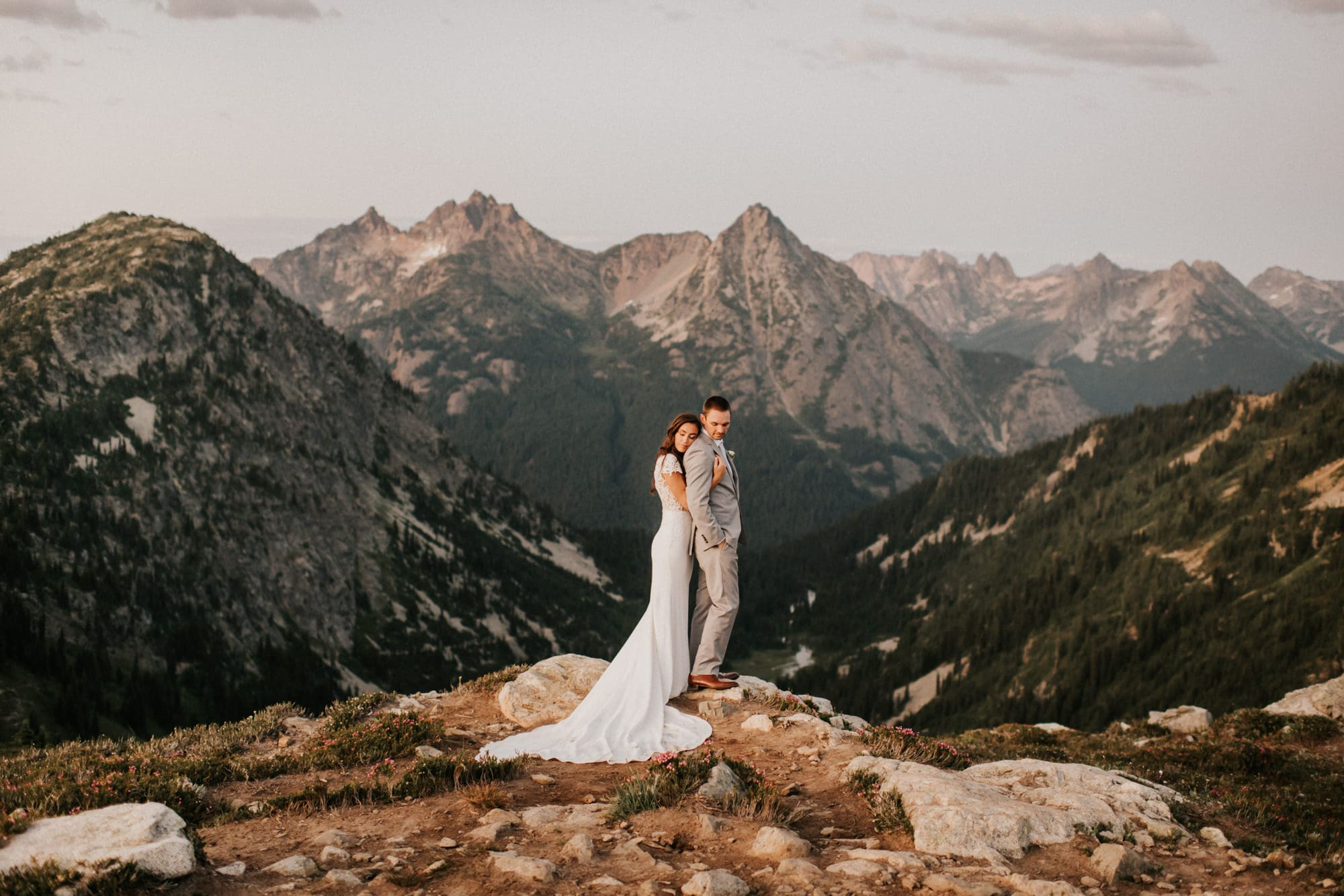 sunset elopement at maple pass loop trail