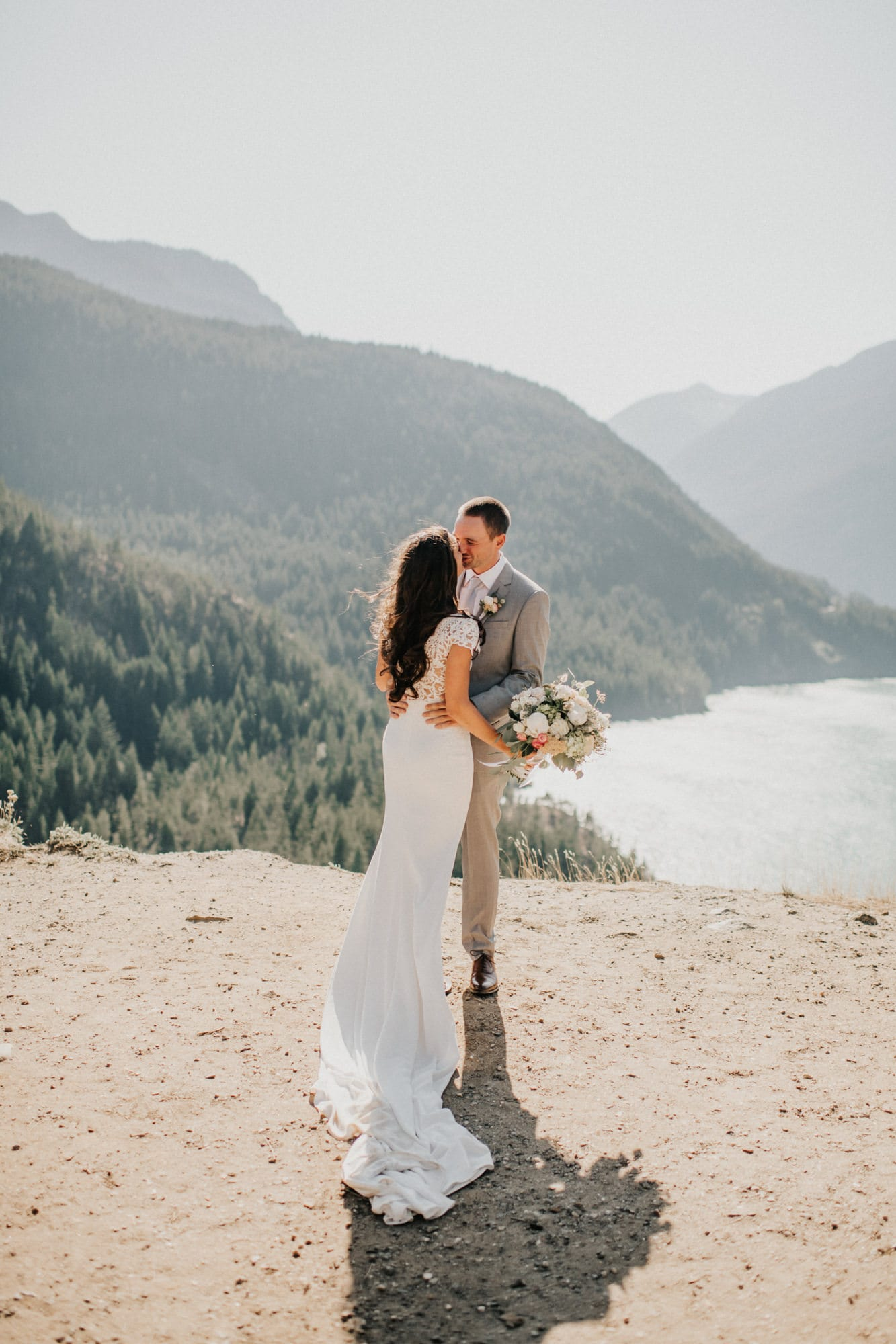 Washington hiking elopement