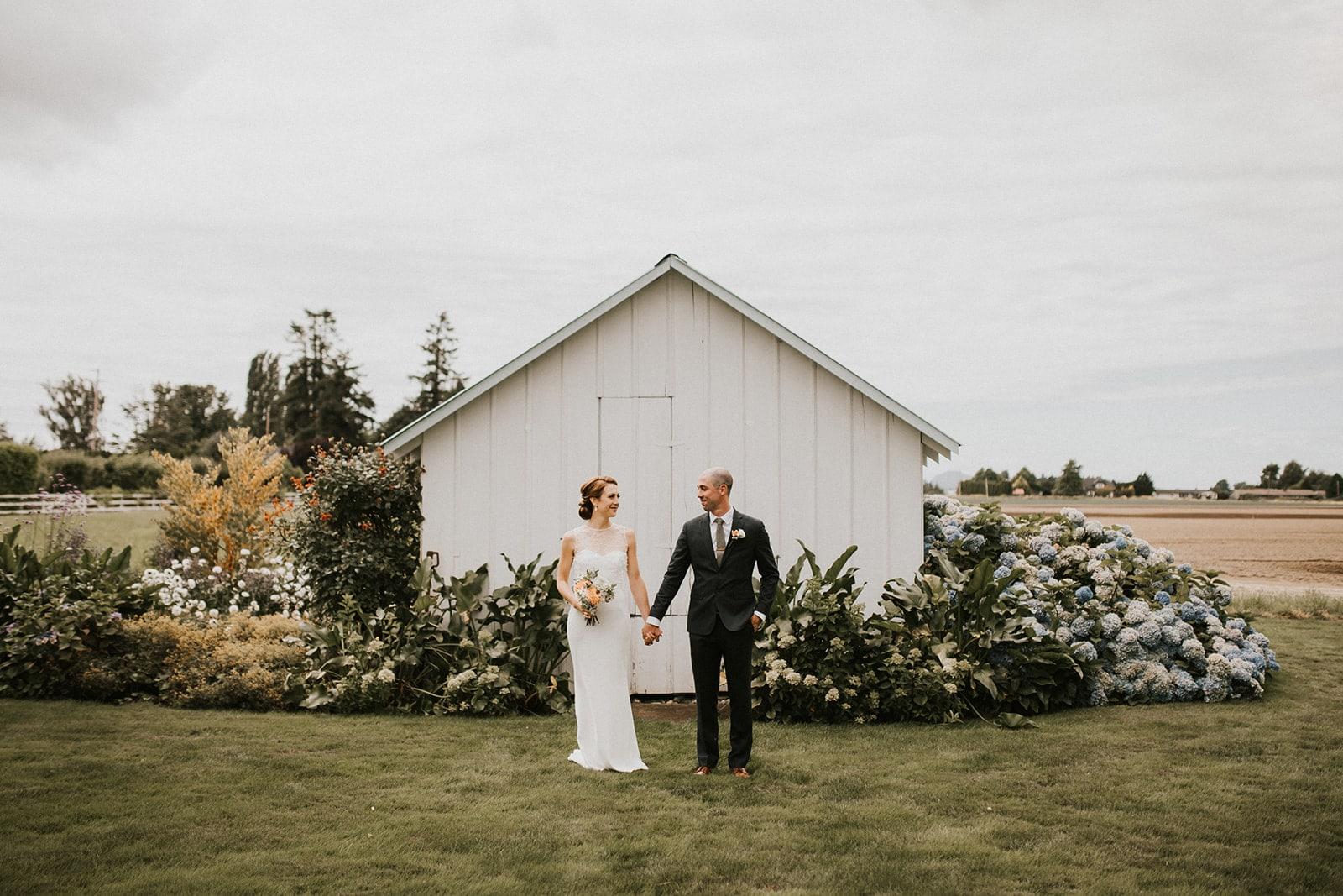 bride and groom wedding photos at Faberfarm