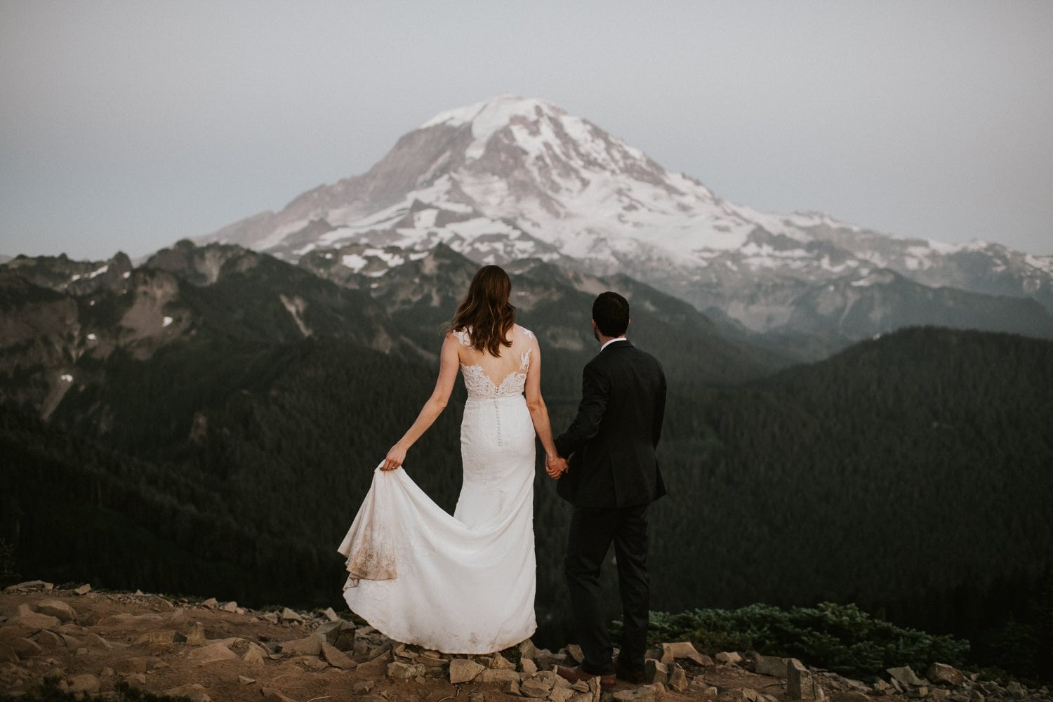 Wedding photos at mount rainier one of the best places to elope in washington state