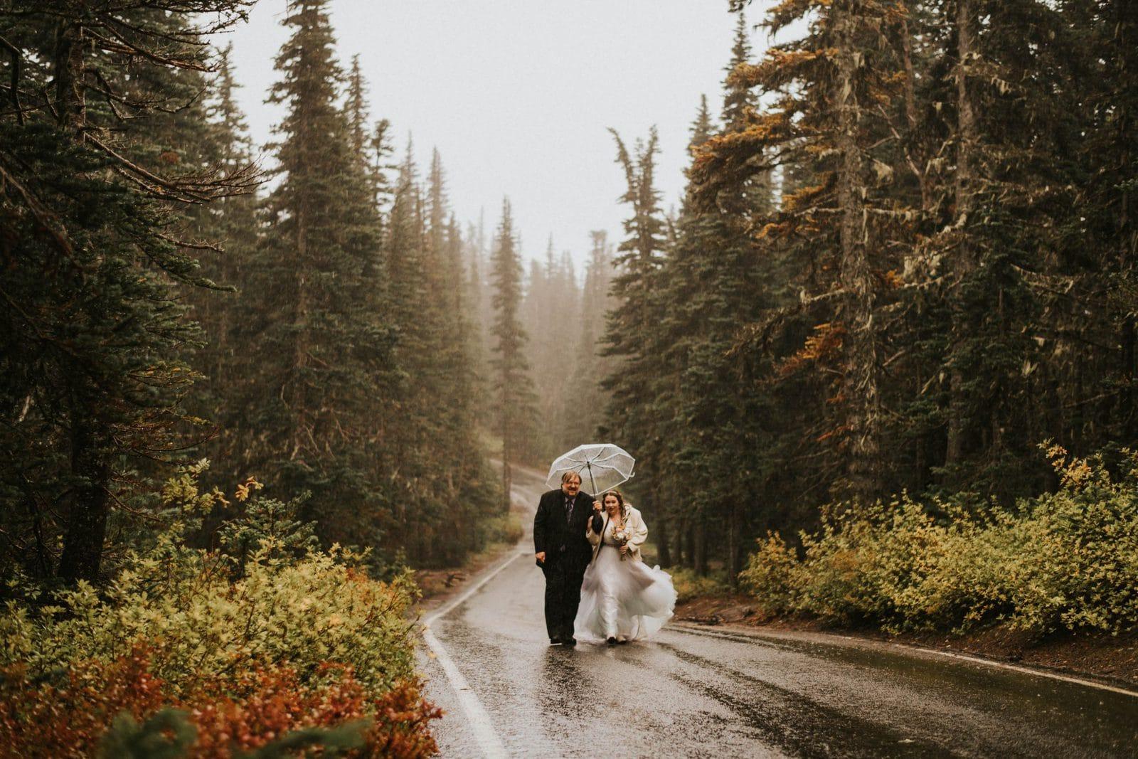 Dad walking bride down to ceremony spot