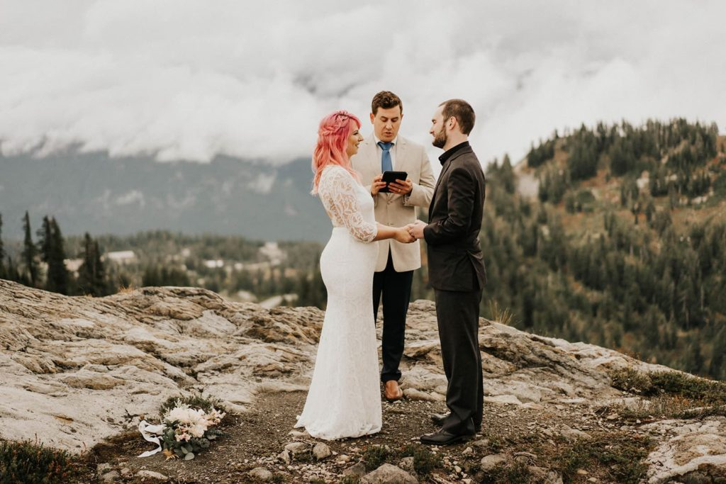 eloping in Washington State, what you need to know. Photographer guide.